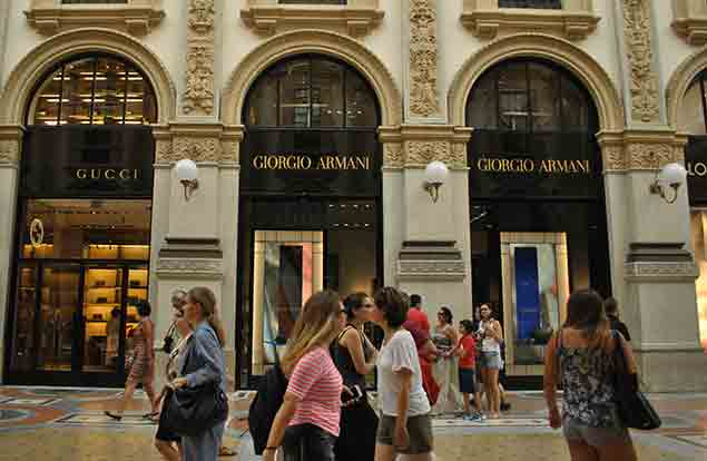 A personal Shopping experience in the luxury of Italian couture